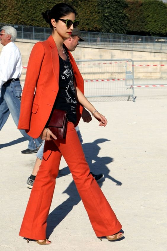 Stylish Outfits With Red Pants (4)