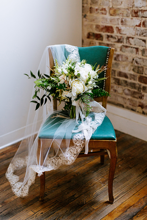 white and green bouquets - photo by Texture Photo http://ruffledblog.com/golden-sands-wedding-inspiration