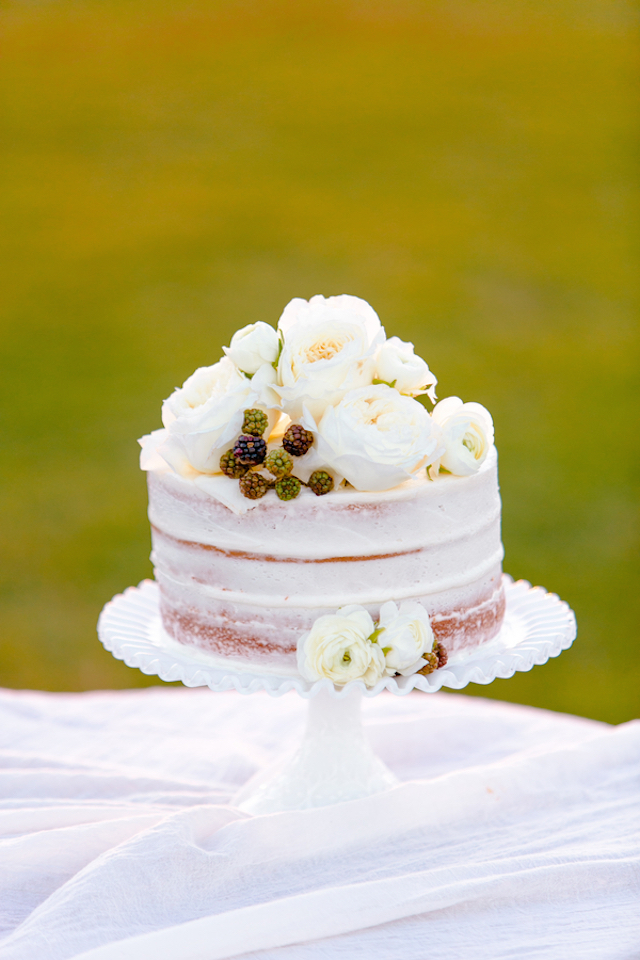 Small naked cake with flowers | Set Free Photography