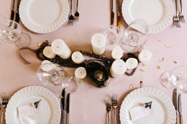 Blush and gold tablescape | SUEGRAPHY