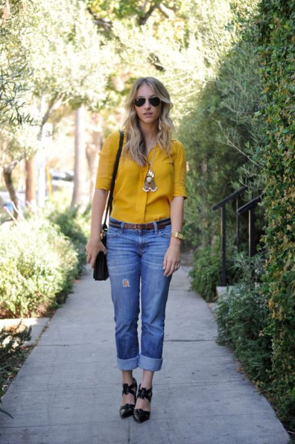 Look with low slung jeans and colorful blouse