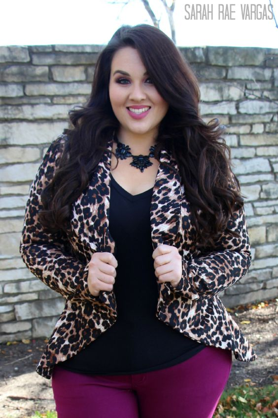 Stylish ways for curvy and plus size women to wear Blazer (15)