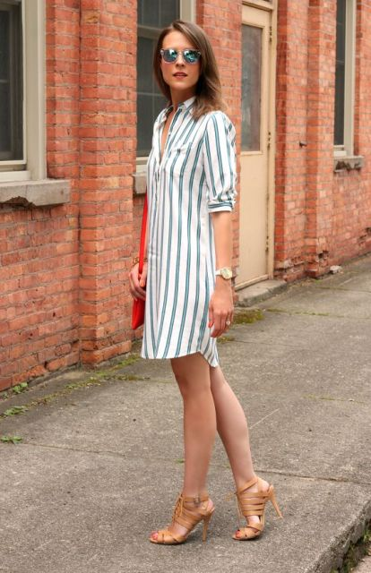 Look with striped shirtdress and heels