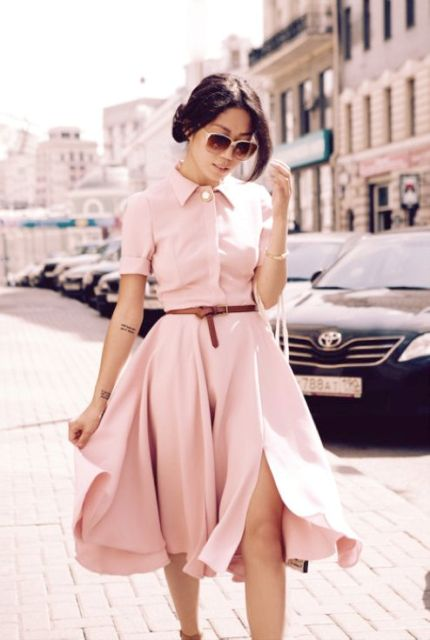 Very feminine shirtdress with leather belt