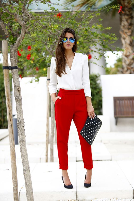 Stylish Outfits With Red Pants (20)