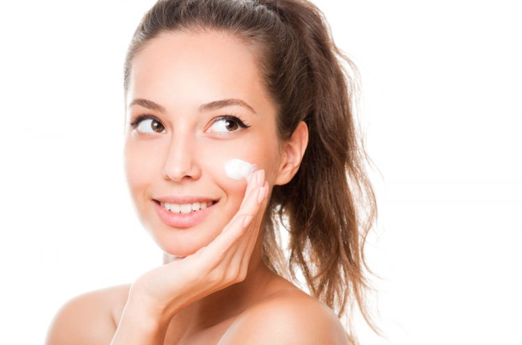 moisturize your face with an oil free remedy
