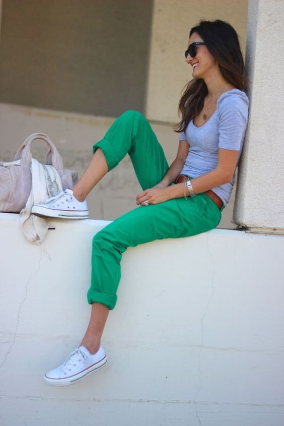 bold jeans with a grey tee and converse