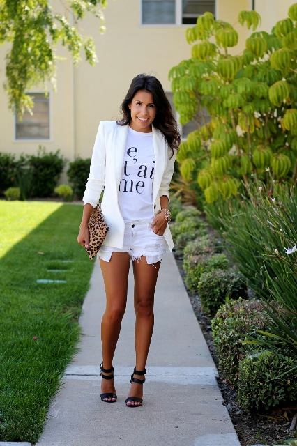 Look with white shorts and white jacket