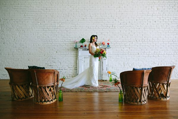 bridal portraits - photo by Amber Vickery Photography http://ruffledblog.com/tropical-cuban-wedding-inspiration