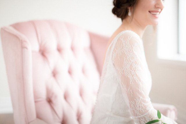 Lace sleeve wedding dress | Photography: Loren Weddings