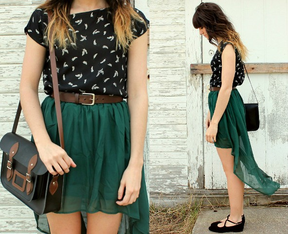Look with high low skirt, printed shirt and lace up flats