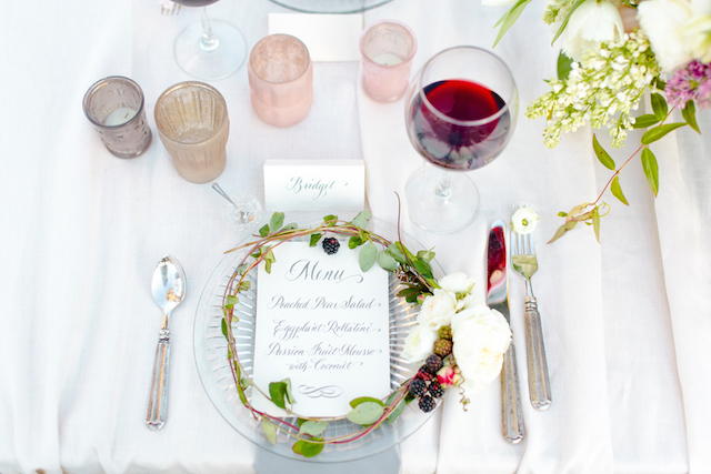 Calligraphy menu with floral wreath | Set Free Photography