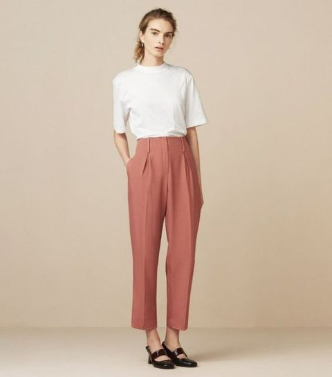 Chic look with high waist pants and white t shirt