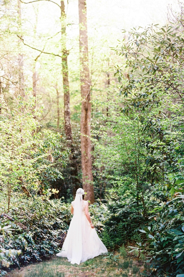 Beautiful woodland bridal portrait | Perry Vaile Photography