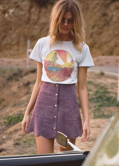 Button front skirt with scallop hem and printed t shirt