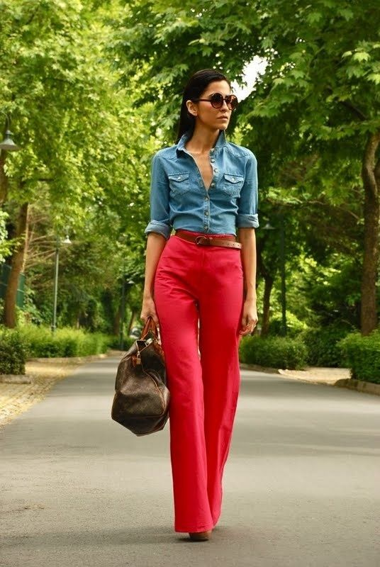 Stylish Outfits With Red Pants (6)