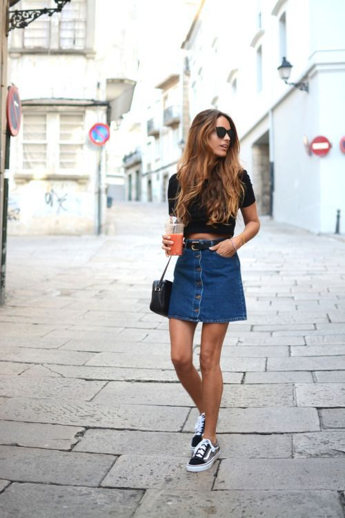 button down denim skirt with a black crop top and sneakers