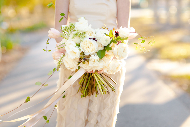 Textured ivory bouquet | Set Free Photography
