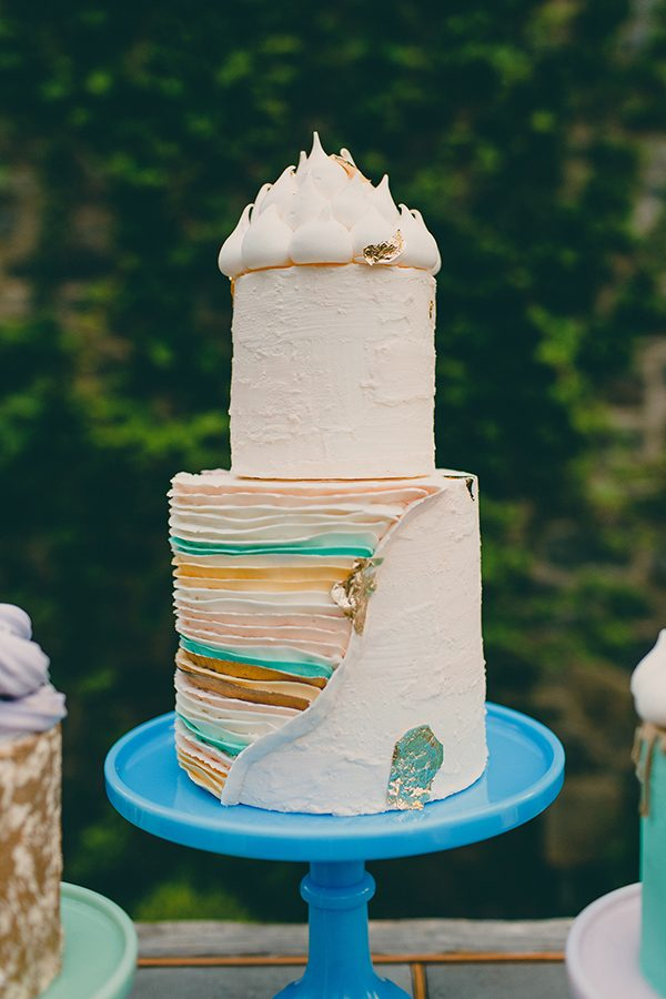 gold and mint wedding cakes - photo by Tree of Life Films http://ruffledblog.com/summer-brunch-wedding-inspiration