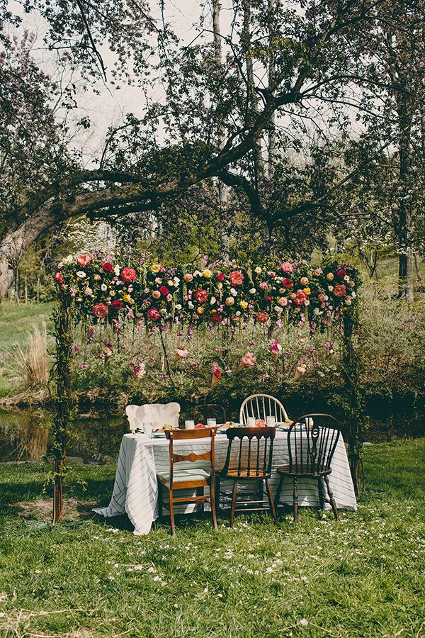 vintage wedding decor - photo by Tree of Life Films http://ruffledblog.com/summer-brunch-wedding-inspiration