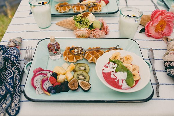 brunch wedding food - photo by Tree of Life Films http://ruffledblog.com/summer-brunch-wedding-inspiration