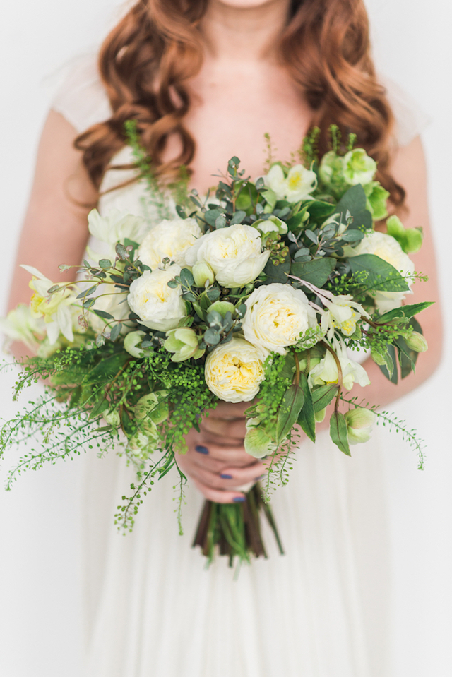 White and green bridal bouquet | Eileen Meny Photography