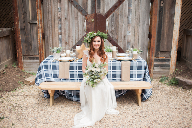 Americana red, white, and blue picnic wedding | Eileen Meny Photography