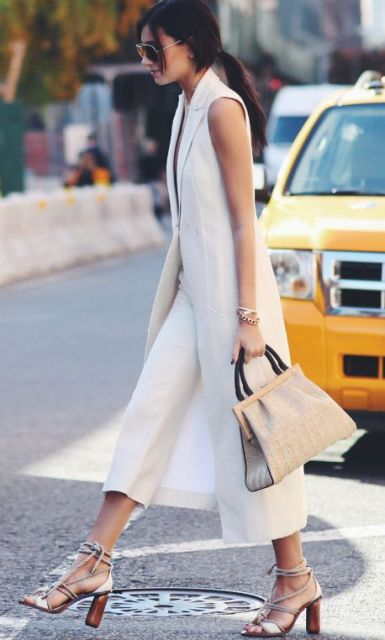 Stylish look with small bag