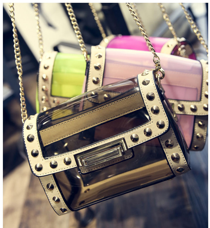 Style tips to carry clear and transparent handbags (15)