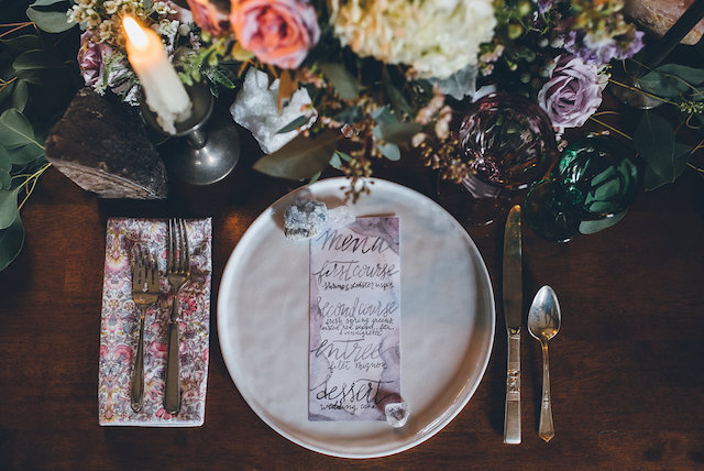 Geode wedding ideas with a floral print napkin | Ed & Aileen Photography