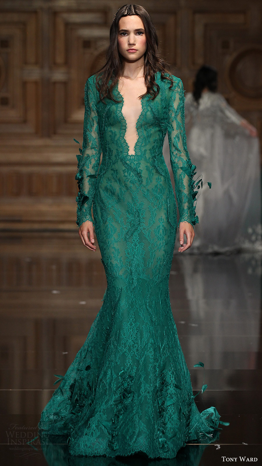 tony ward couture fall 2016 long sleeves deep v neck trumpet gown (22) mv green color