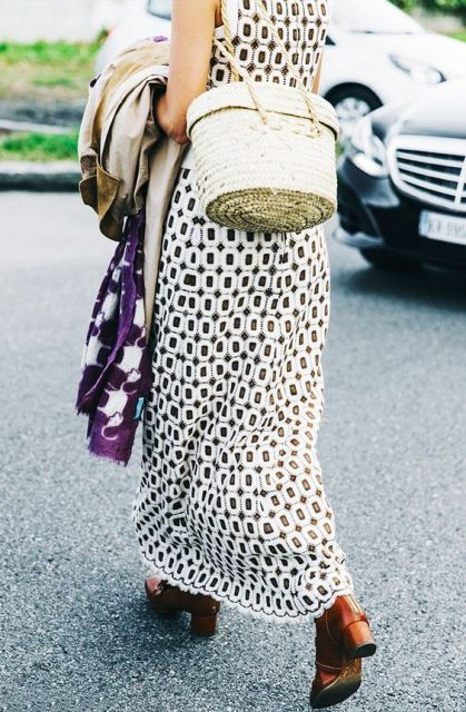 Stylish look with printed dress and structured bag