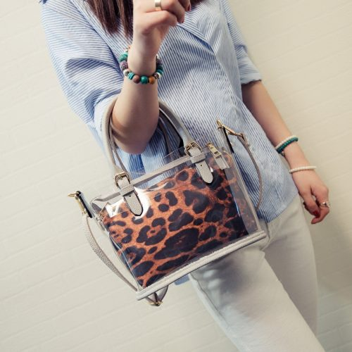 Style tips to carry clear and transparent handbags (12)