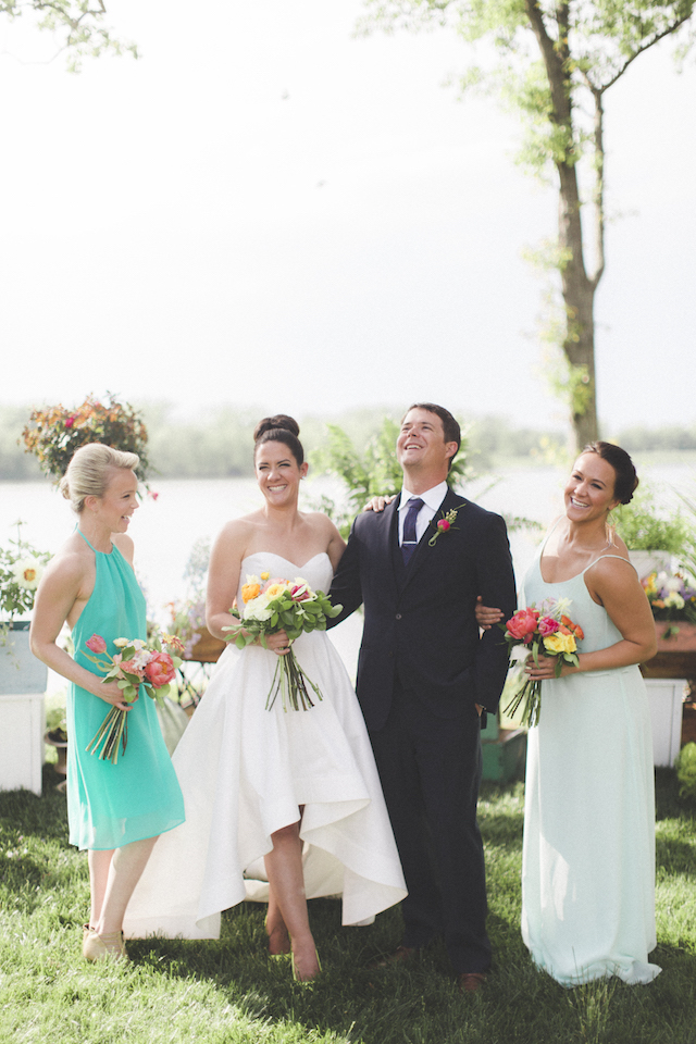 Modern and colorful vineyard wedding | Stephanie Yonce Photography
