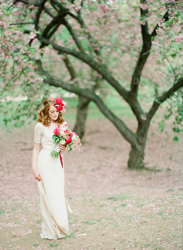 weddings in New York City - photo by Brklyn View Photography http://ruffledblog.com/central-park-cherry-blossom-shoot
