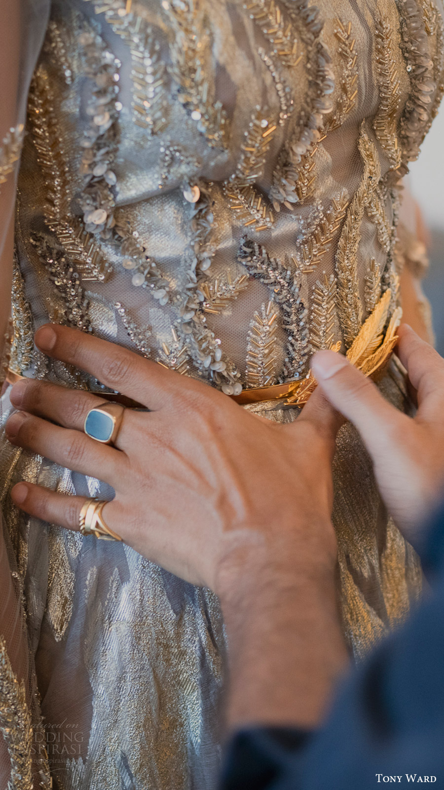 tony ward couture fall 2016 savoire faire fitting details bodice dress