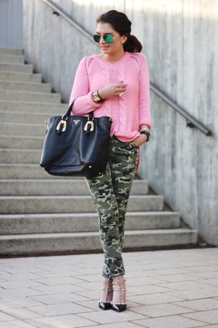 Pink sweatshirt with cargo trousers
