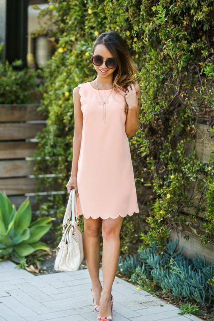 Gentle look with dress, floral heels and white bag