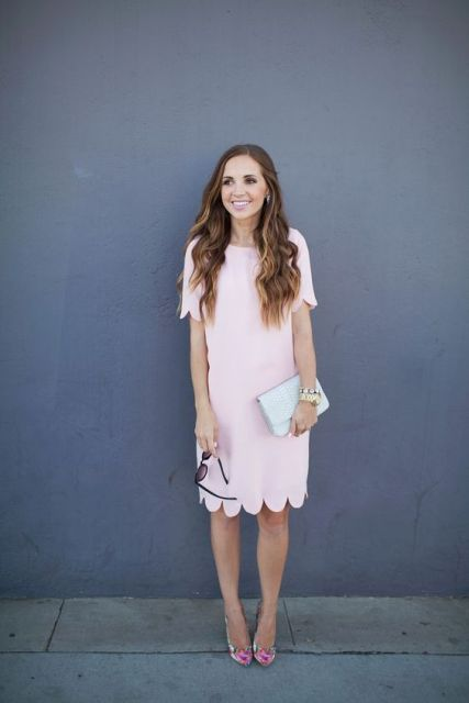 Trendy knee-length dress with short sleeves