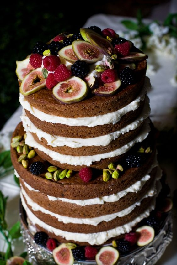 pistachios, blackberries and figs wedding cake