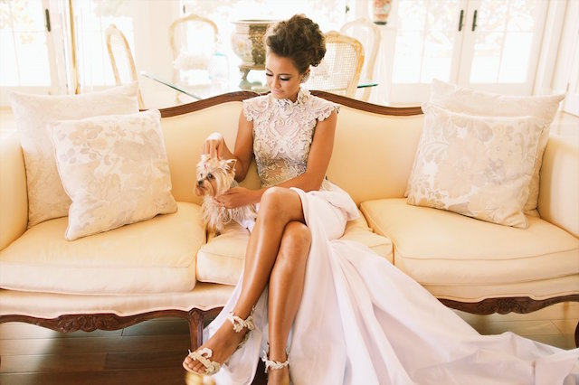 Bride with her puppy | Anna Kim Photography