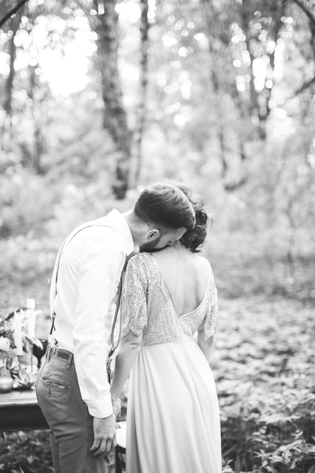 Romantic forest wedding elopement | Alena Plaks