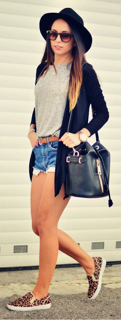 denim shorts, a grey tee, animal printed shoes and a black cardigan