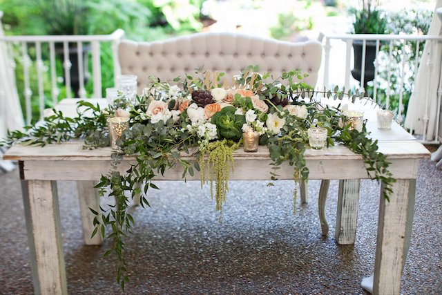 Garden themed sweetheart table | Phindy Studios