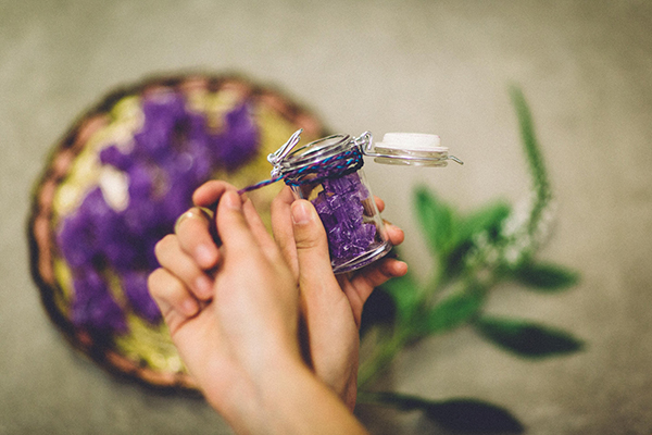 fun wedding ideas - photo by Jenn Byrne Creative http://ruffledblog.com/diy-purple-rock-candy-favors