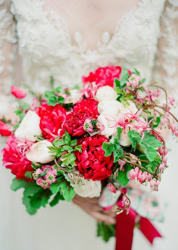 red and pink bouquets - photo by Brklyn View Photography http://ruffledblog.com/central-park-cherry-blossom-shoot