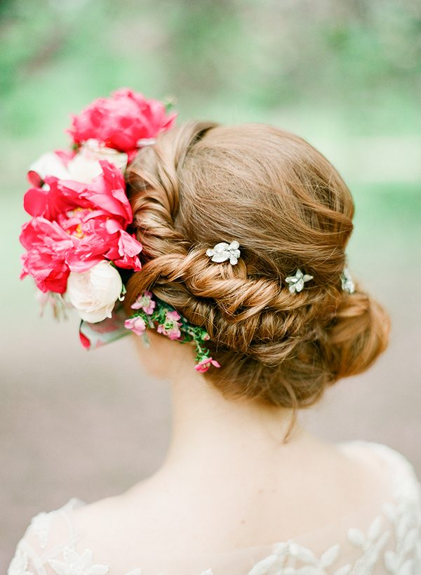 wedding hair styles - photo by Brklyn View Photography http://ruffledblog.com/central-park-cherry-blossom-shoot