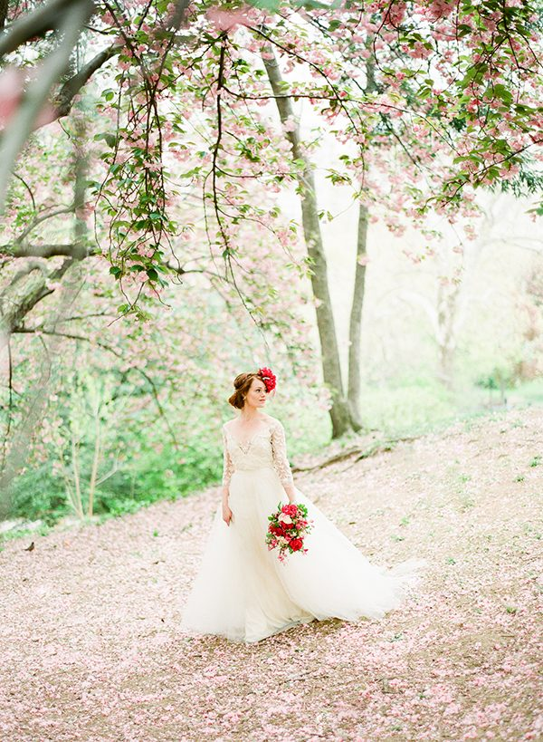 cherry blossom ideas - photo by Brklyn View Photography http://ruffledblog.com/central-park-cherry-blossom-shoot