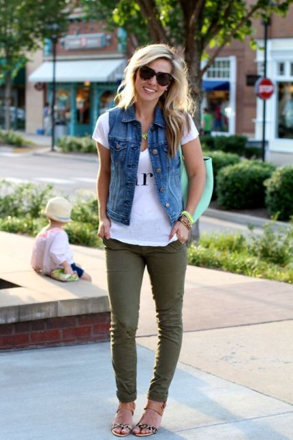 Look with olive color trousers