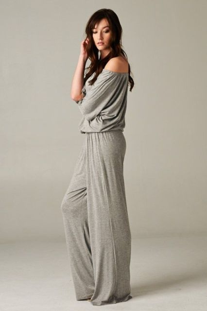 Gray loose jumpsuit idea